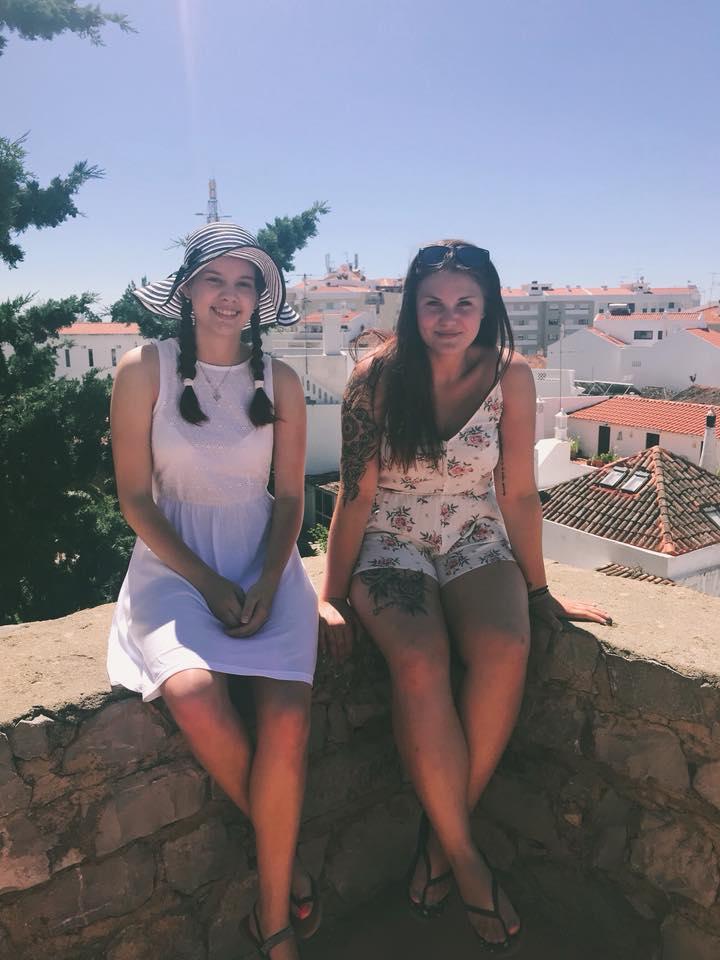 Dominika y Tereza Tavira